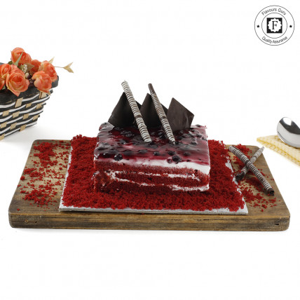 Red Velvet Blueberry Cake-500 Gms