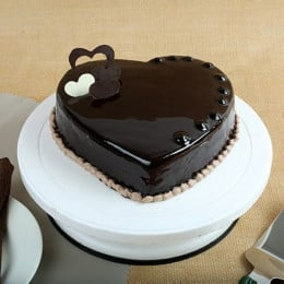 Chocolate Hearts Cake - 500 Gm