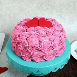 Rose Cream Valentine Cake - 500 Gm