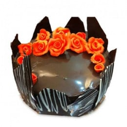 Chocolate Cake With Red Flowers - 500 Gm