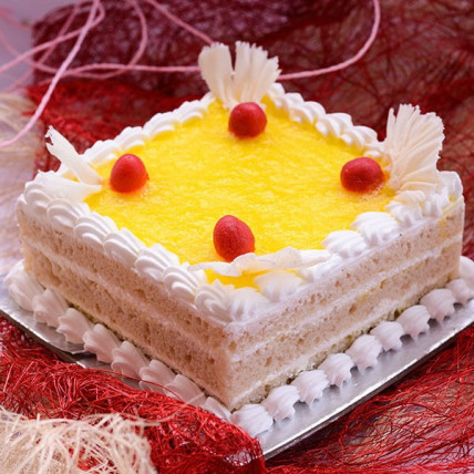 Pineapple Stuffed cake - 500 Gm