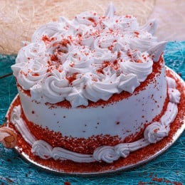 Red Velvet Swirl Cake - 500 Gm