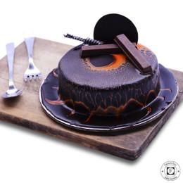 Leopard Kitkat Cake-1 Kg