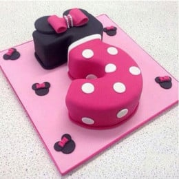Classic Minnie Cake - 2 KG