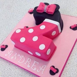 Minnie Love Cake - 2 KG