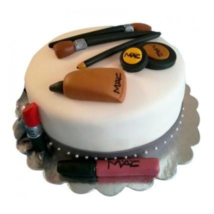 Makeup Girl Cake - 1.5 KG
