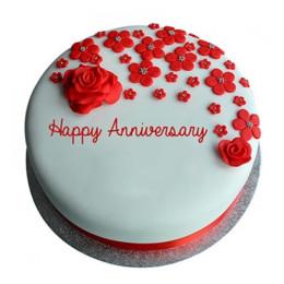 Red Roses Anniversary Fondant Cake - 500 Gm