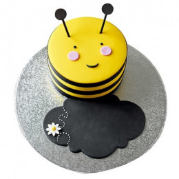 Bumble Bee Fondant Cake - 500 Gm