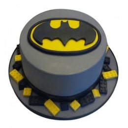 Round Batman Cake - 500 Gm