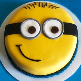 Cute Minion Cake - 500 Gm