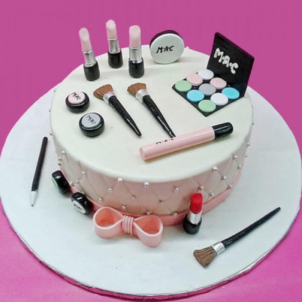 Classy Mac Cake Love For Cosmetics A 2 Kg All Make Up Lovers