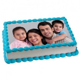 Yummy Vanilla Photo Cake - 500 Gm