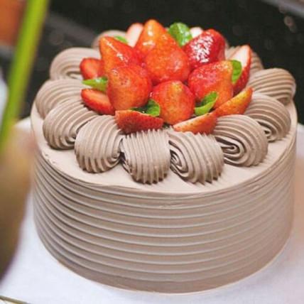 Strawberry Chocolate Cake - 500 Gm