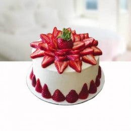 Strawberry Shower Cake - 500 Gm