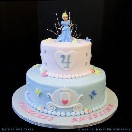 Cindrella Sparkle Cake-4 Kg