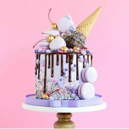 Lilac Dream Cake-1.5 Kg