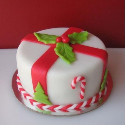 Holly Leaves Cake-500 Gms